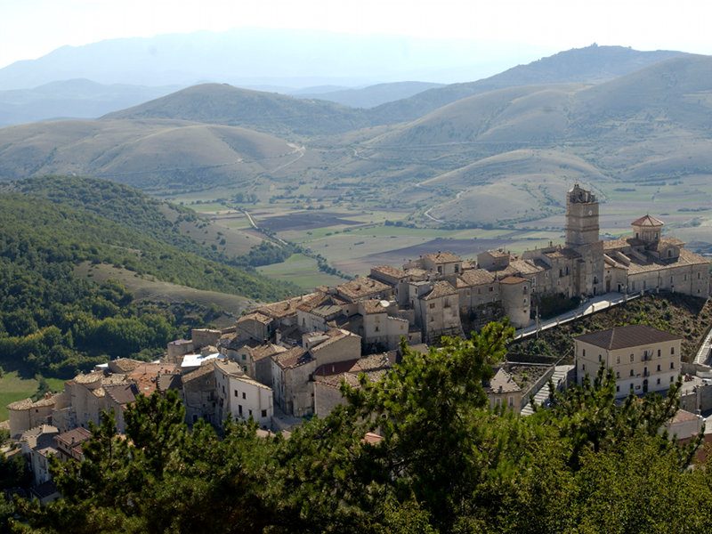 Abruzzo Castel Del Monte